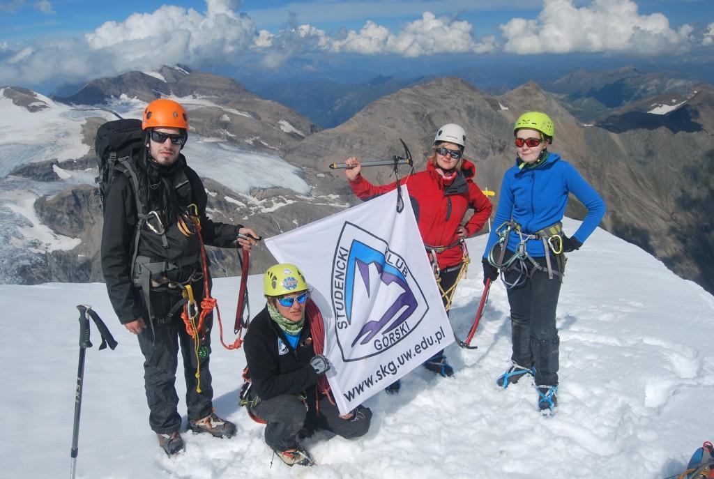 Członkowie Studenckiego Klubu Górskiego na zboczu Glossglockner – najwyższego szczytu Austrii