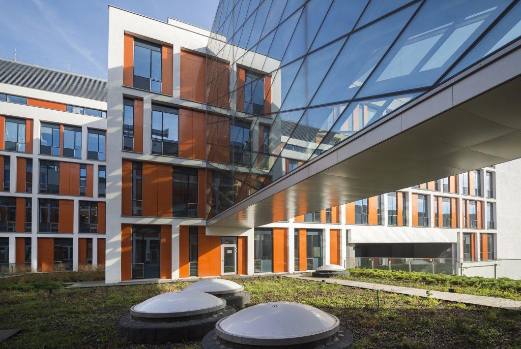 Wydział Fizyki przy ul. Pasteura na kampusie Ochota